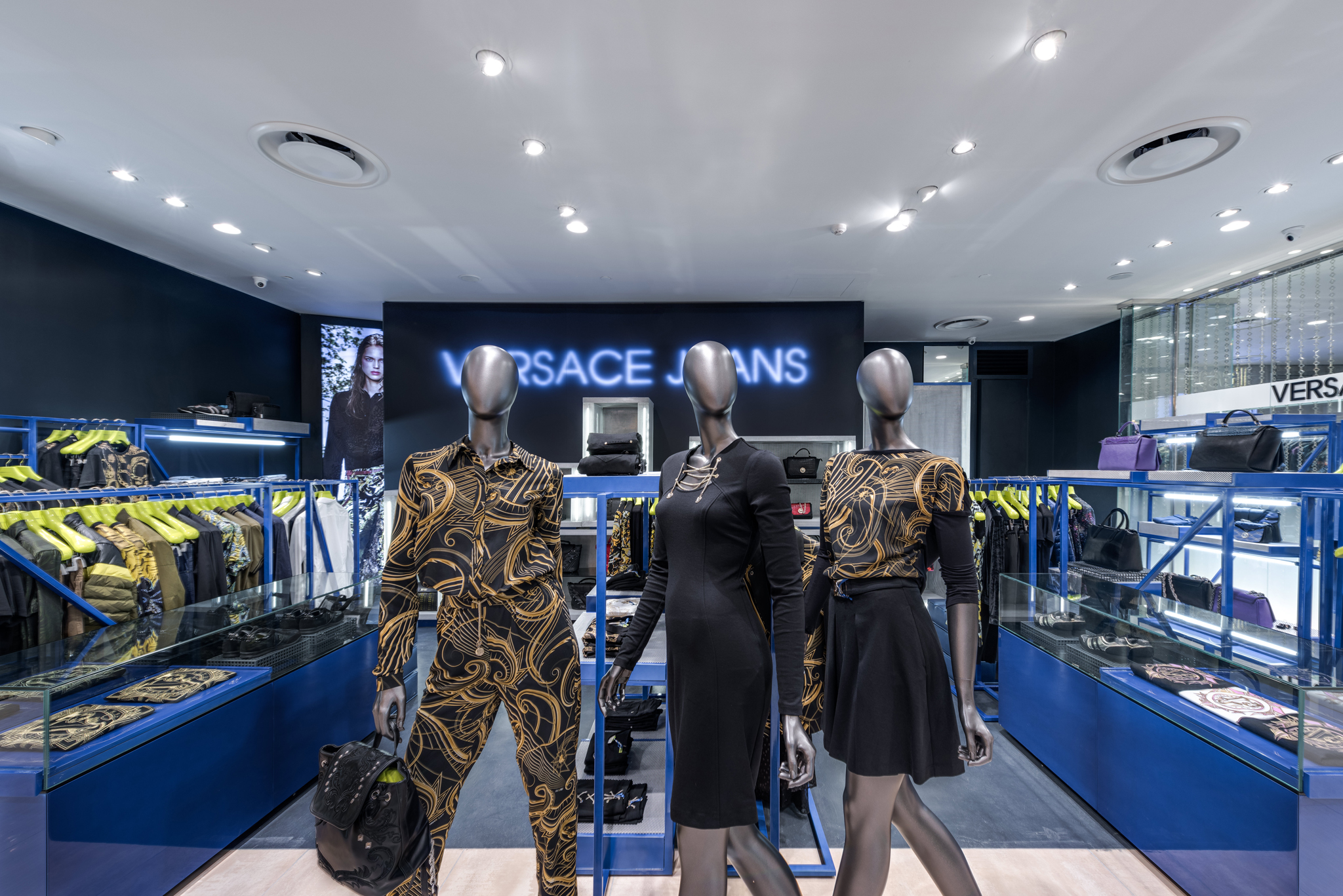 20160729 - Versace Jean - HCM - Commercial - Interior - Store - Retouch 0005.jpg