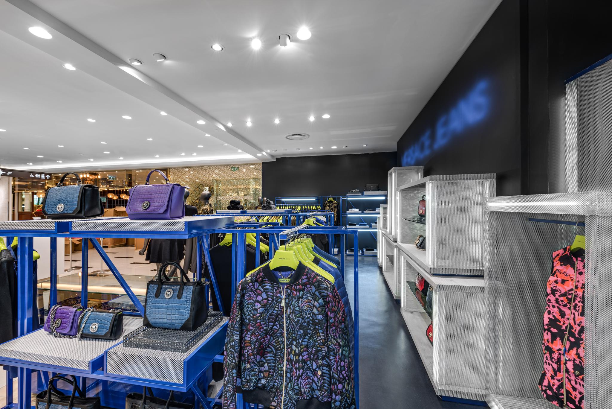 20160729 - Versace Jean - HCM - Commercial - Interior - Store - Retouch 0007.jpg