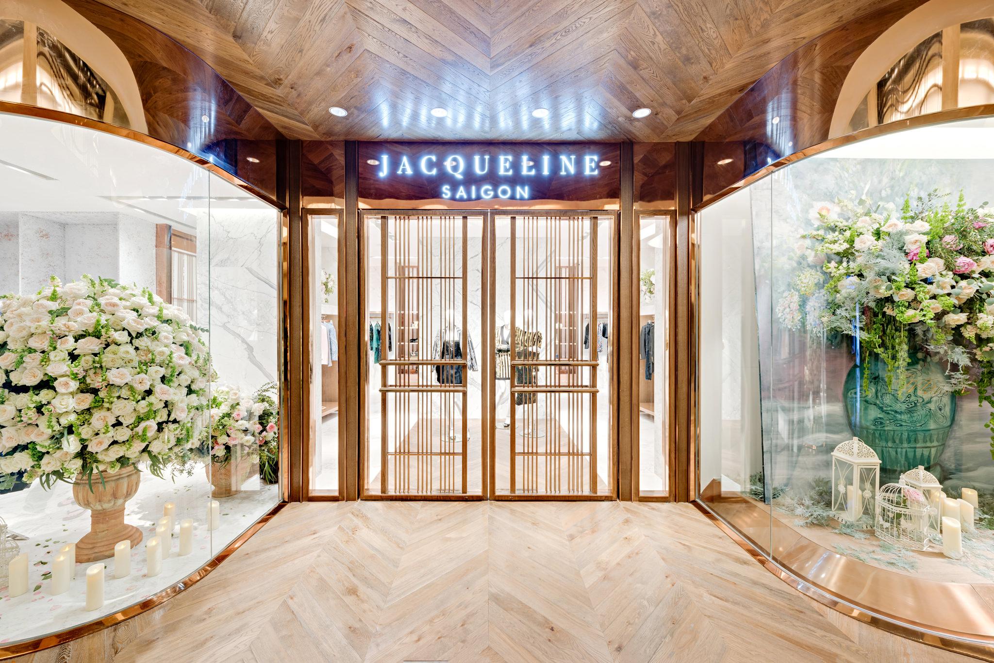 20161224 - Jacqueline - HCM - Commercial - Interior - Store - Retouch 0010.jpg