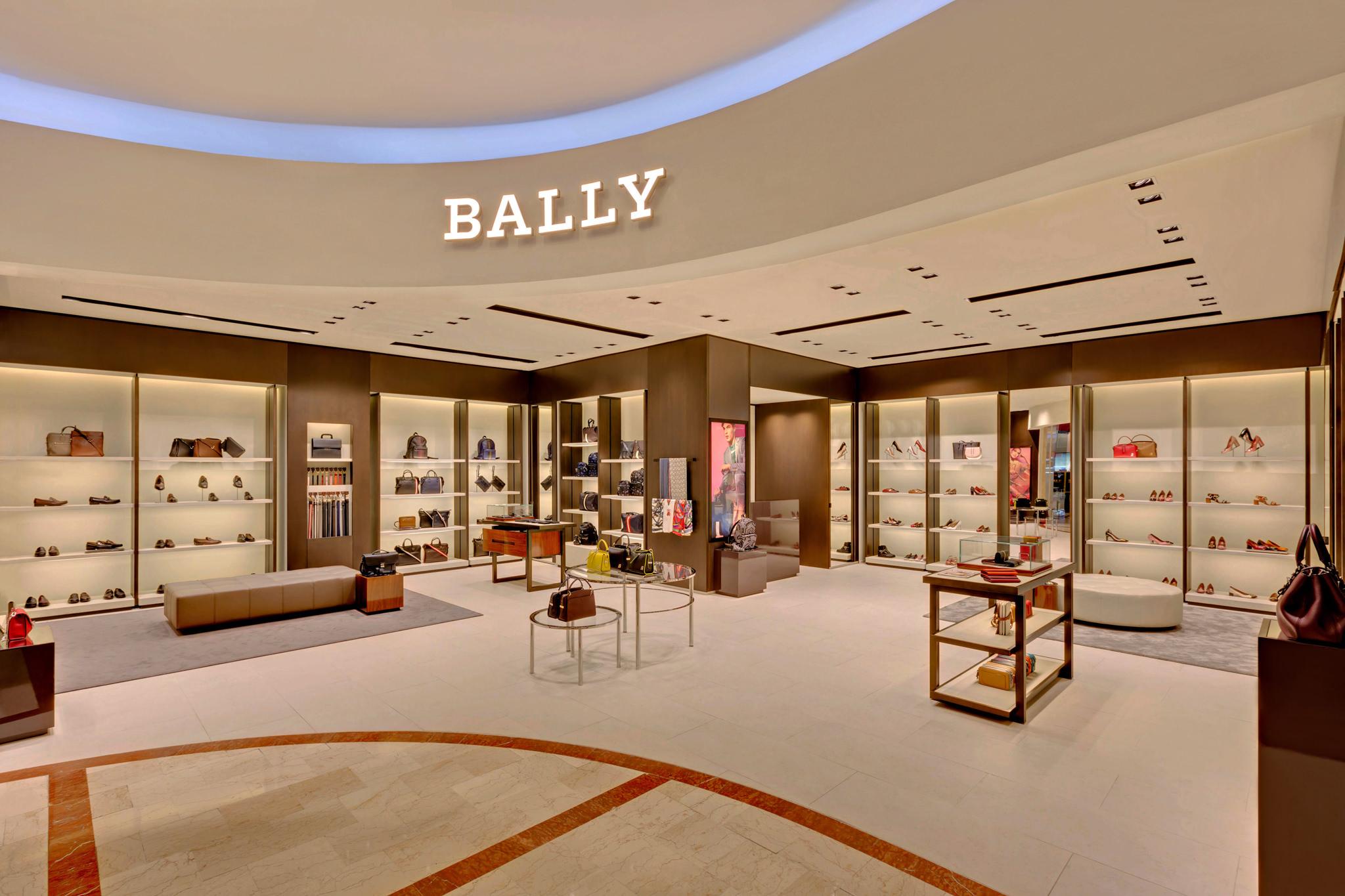 20170721 - Bally - HCM - Commercial - Interior - Store - Retouch 0001.jpg