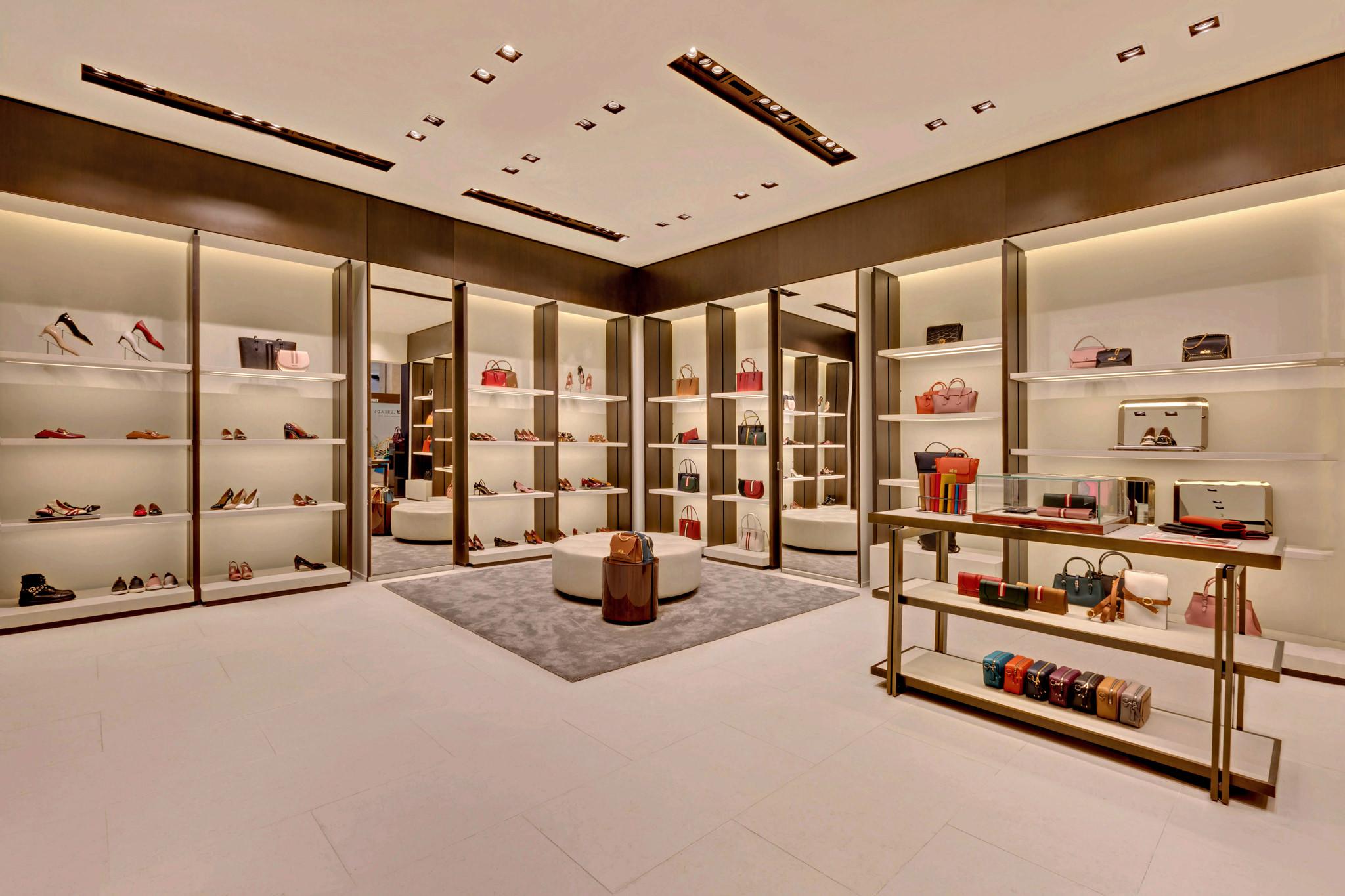 20170721 - Bally - HCM - Commercial - Interior - Store - Retouch 0009.jpg