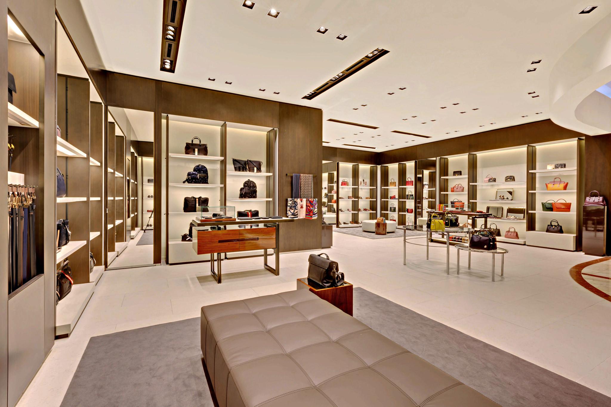 20170721 - Bally - HCM - Commercial - Interior - Store - Retouch 0010.jpg