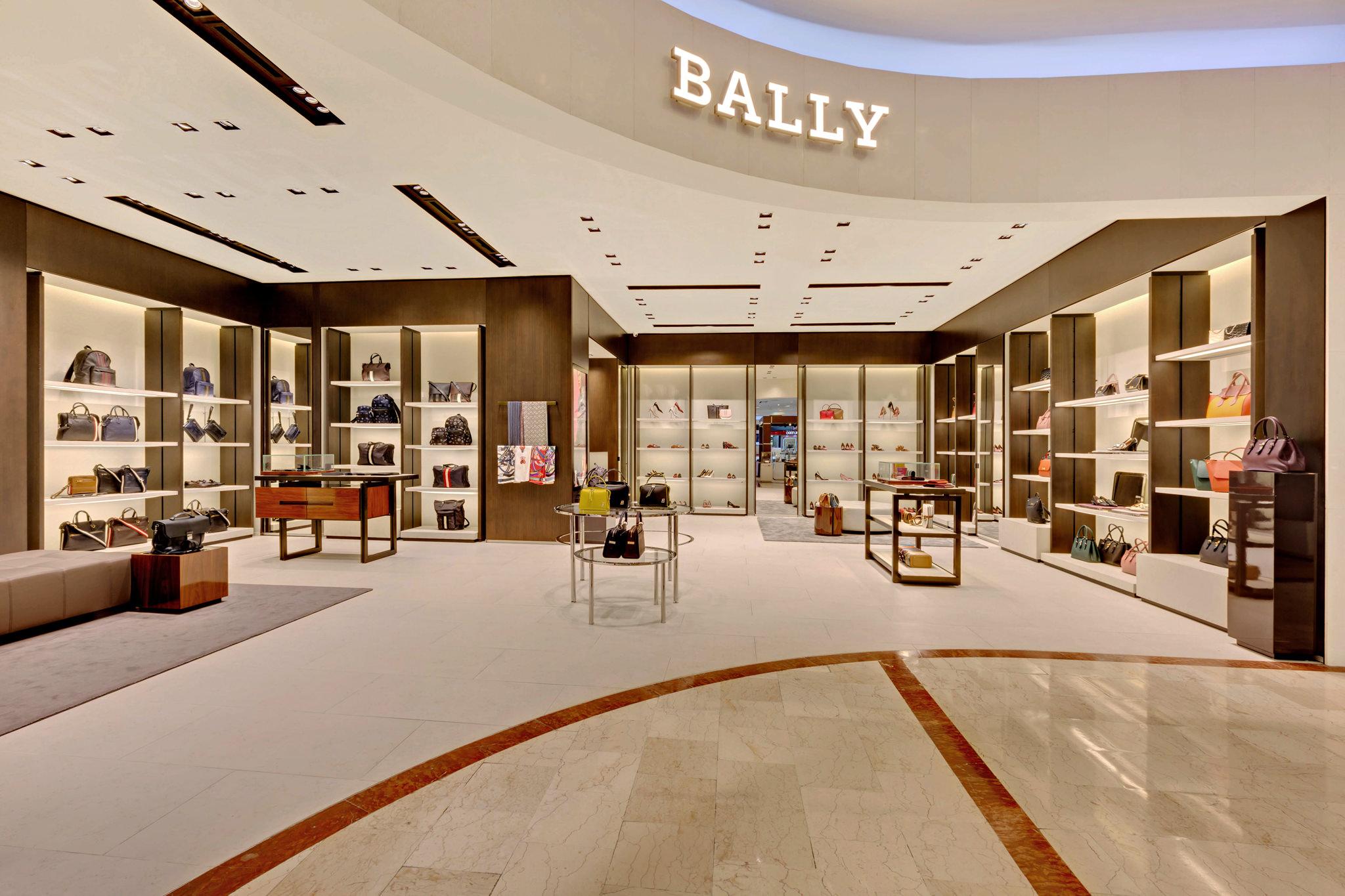 20170721 - Bally - HCM - Commercial - Interior - Store - Retouch 0013.jpg