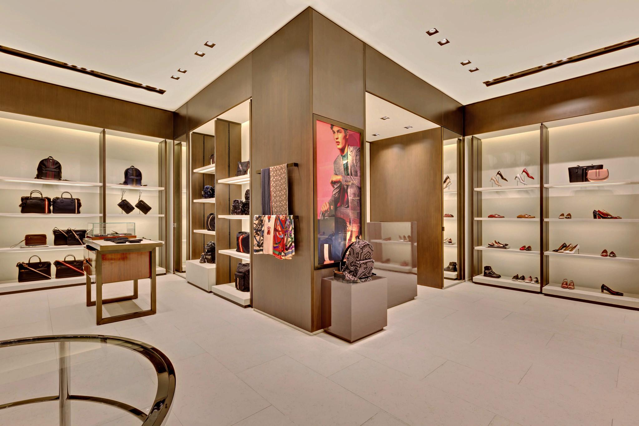 20170721 - Bally - HCM - Commercial - Interior - Store - Retouch 0015.jpg