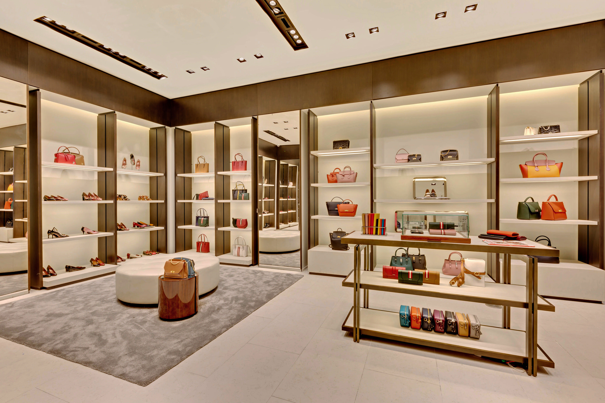 20170721 - Bally - HCM - Commercial - Interior - Store - Retouch 0017.jpg