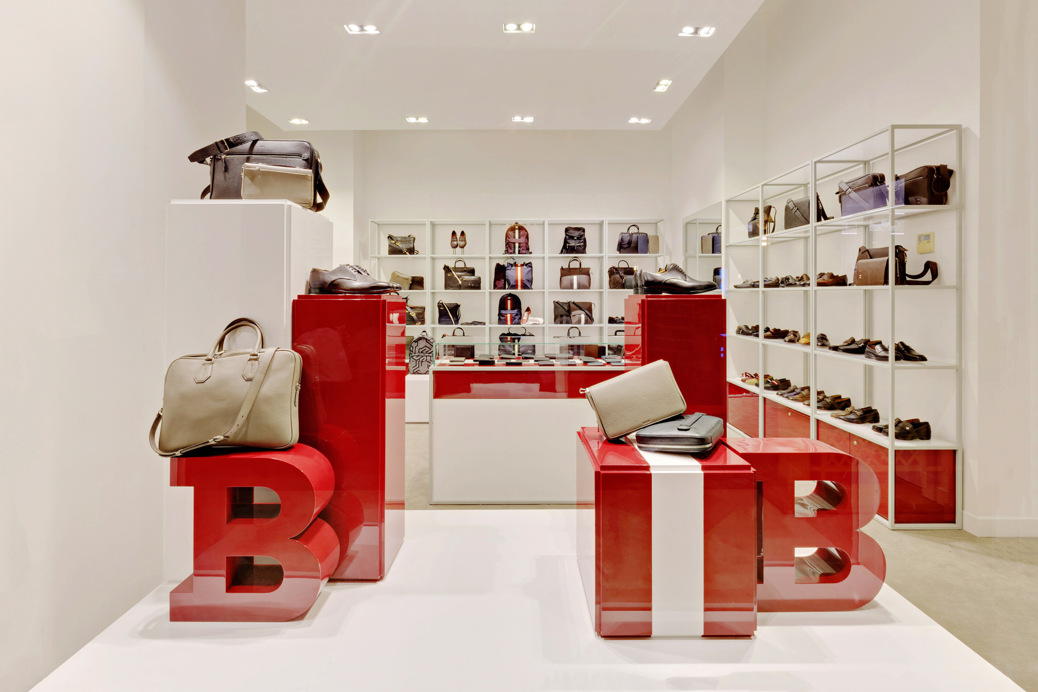 20170316 - Bally - HCM - Commercial - Interior - Store - Retouch 0004.jpg