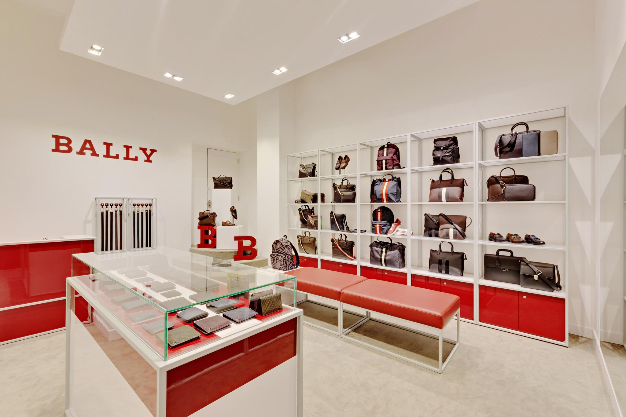 20170316 - Bally - HCM - Commercial - Interior - Store - Retouch 0005.jpg
