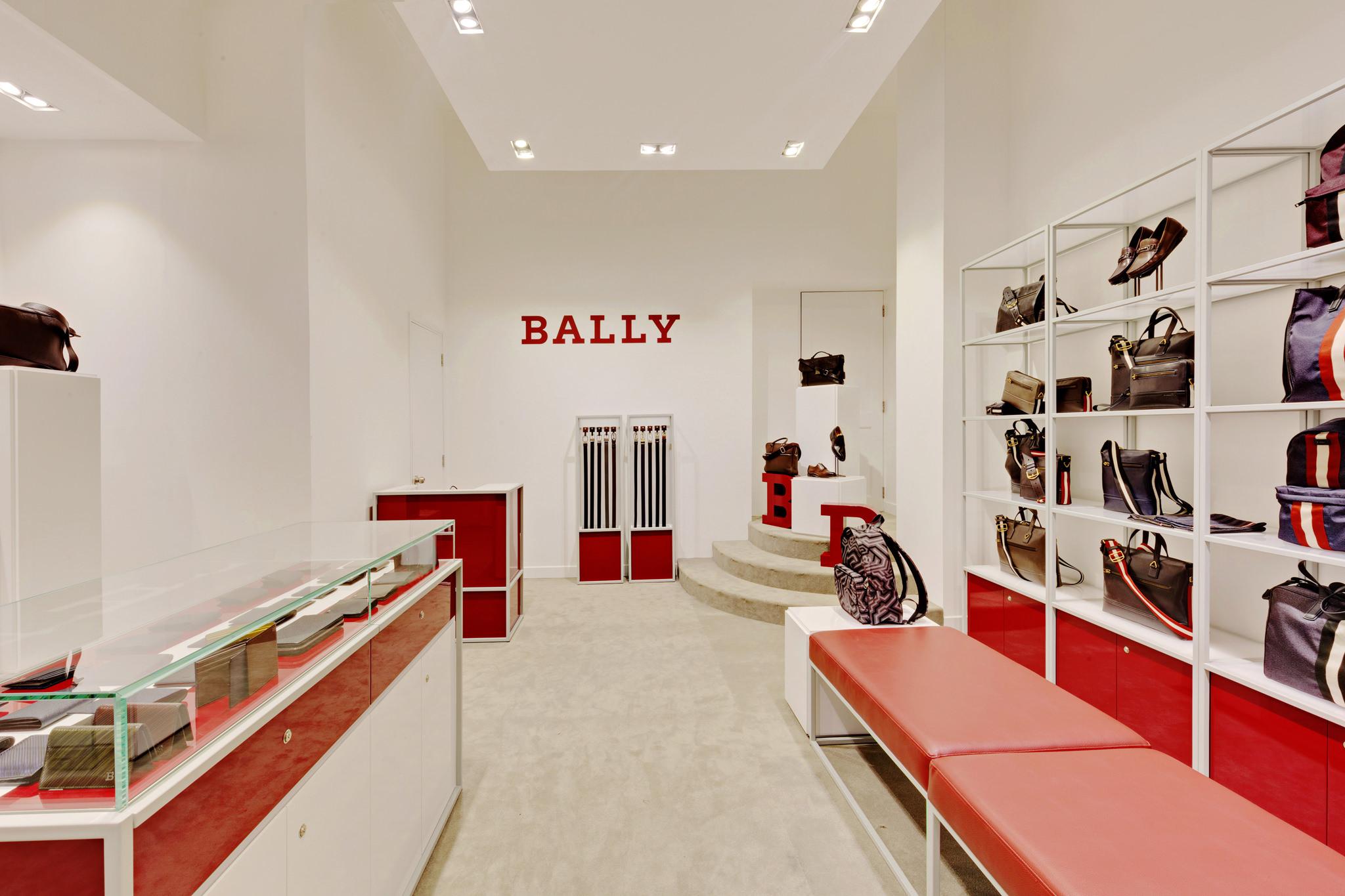 20170316 - Bally - HCM - Commercial - Interior - Store - Retouch 0006.jpg