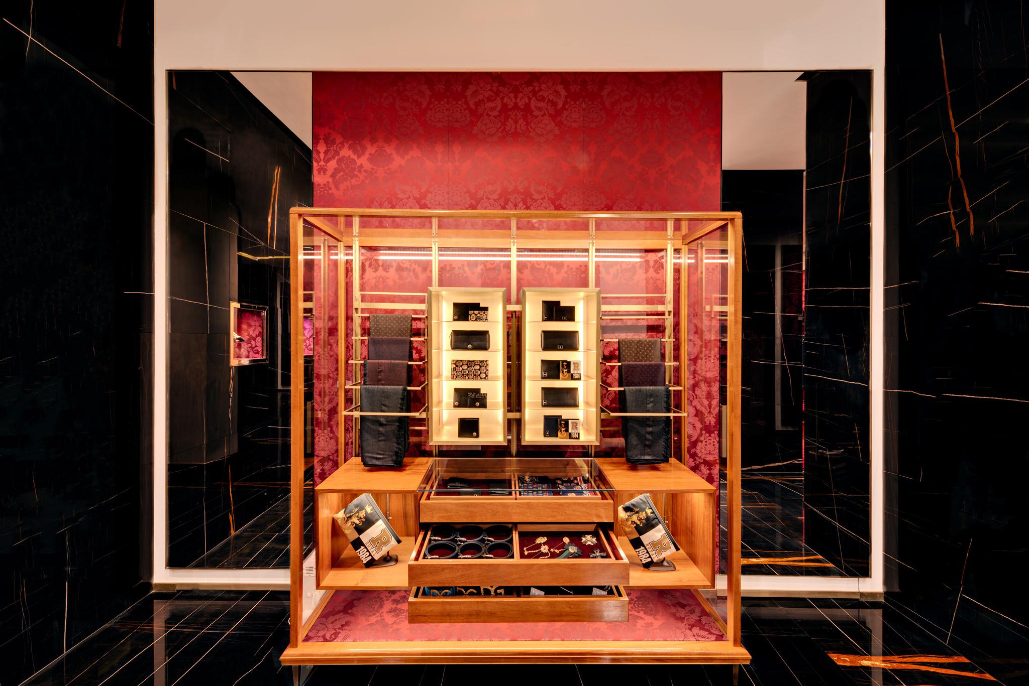 20171011 - Dolce & Gabbana - HCM - Commercial - Interior - Store - Retouch 0037.jpg