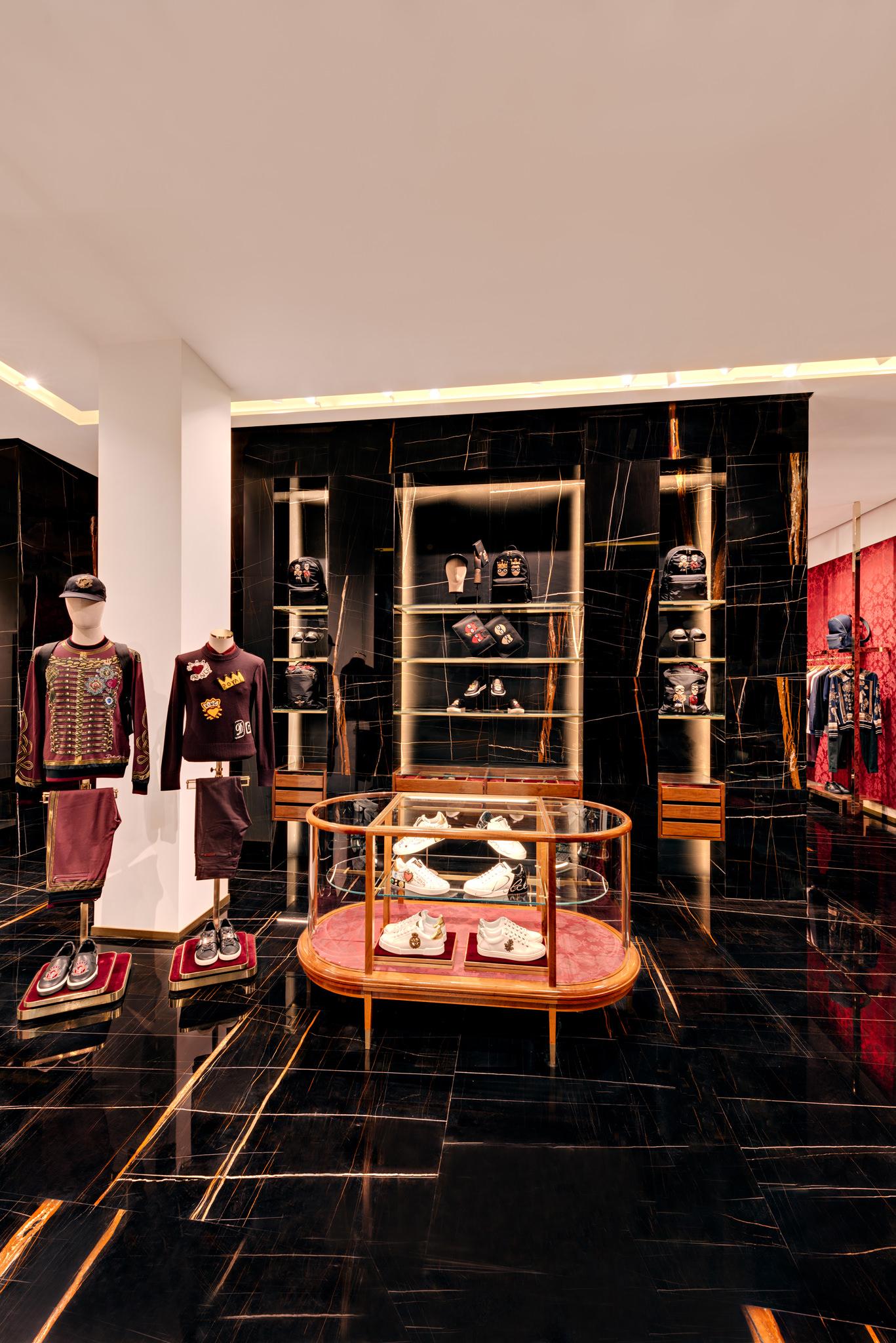 20171011 - Dolce & Gabbana - HCM - Commercial - Interior - Store - Retouch 0181.jpg