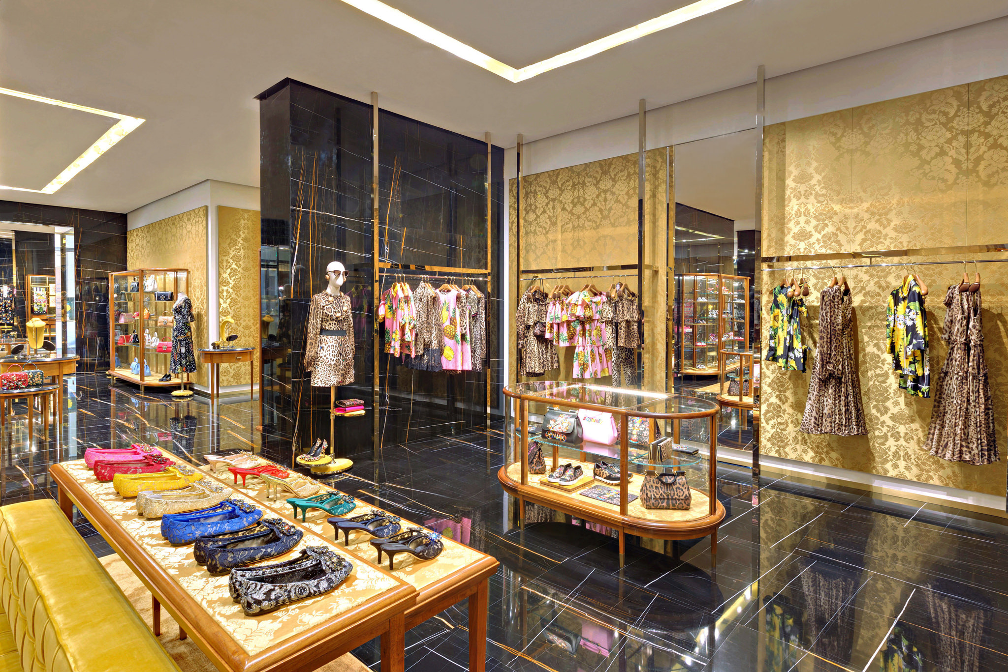 20170519 - Dolce & Gabbana - HCM - Commercial - Interior - Store - Retouch 0007.jpg
