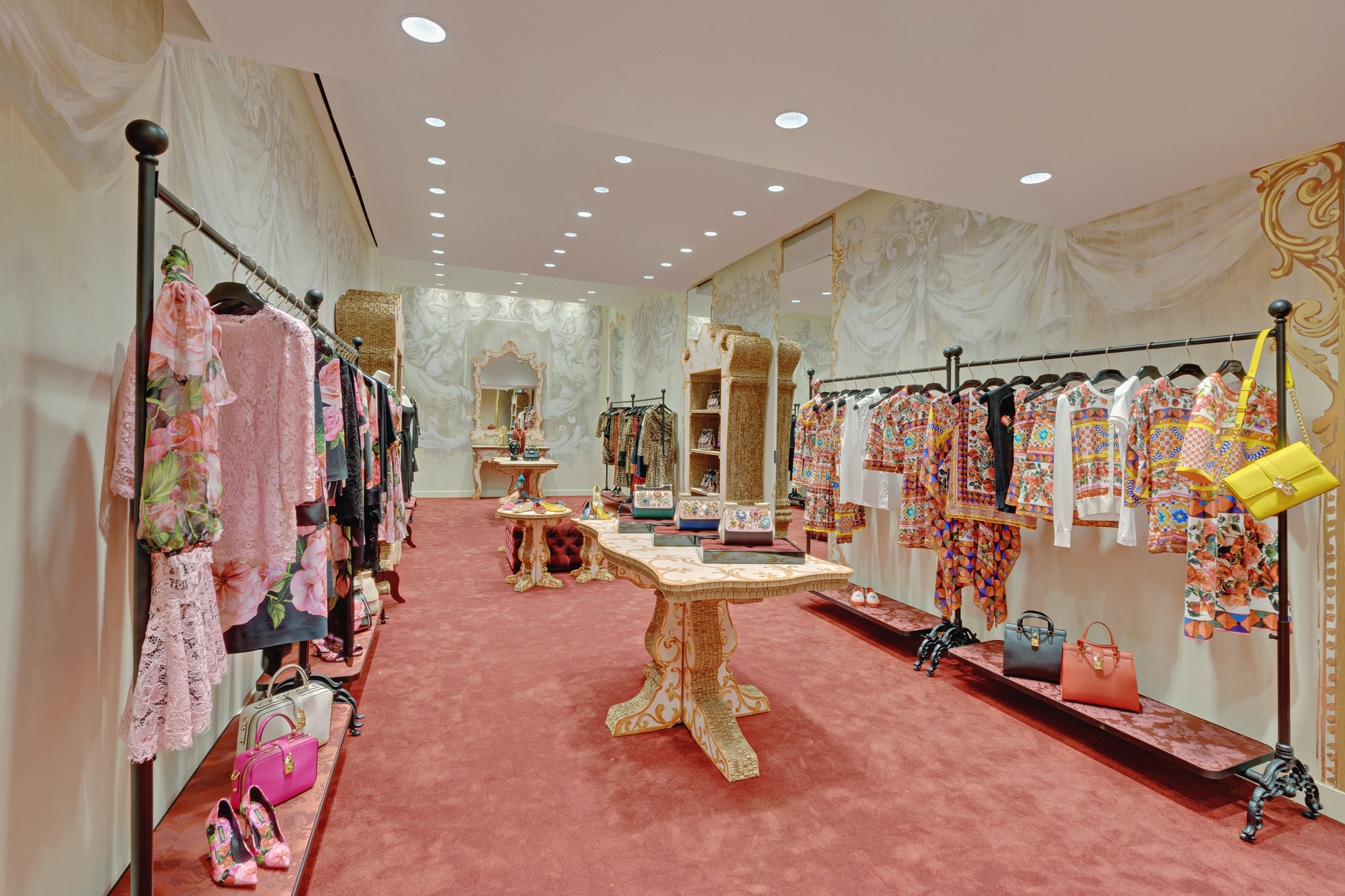 20170123 - Dolce & Gabbana - HCM - Commercial - Interior - Store - Retouch 0002.jpg