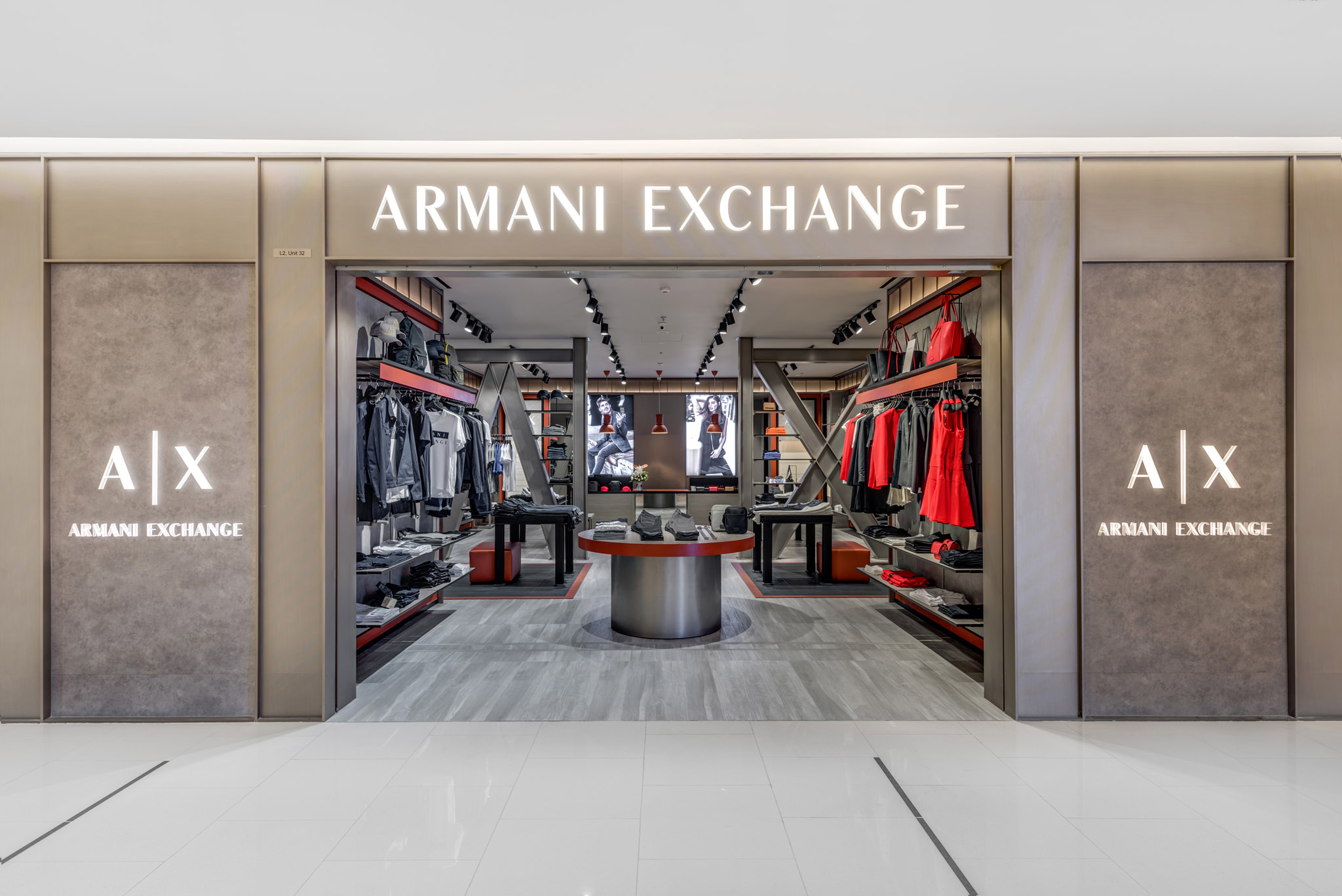 20160801 - Armani Exchange - HCM - Commercial - Interior - Store - Retouch 0001.jpg
