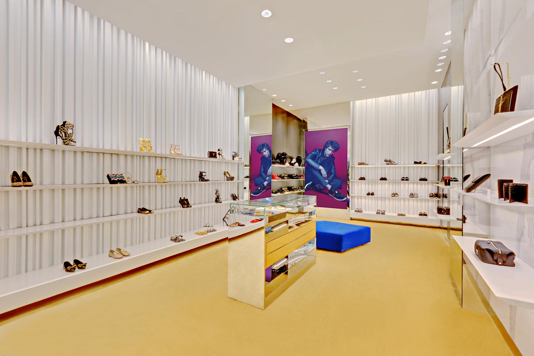 20170807 - Giuseppe Zanotti - HCM - Commercial - Interior - Store - Retouch 07.jpg