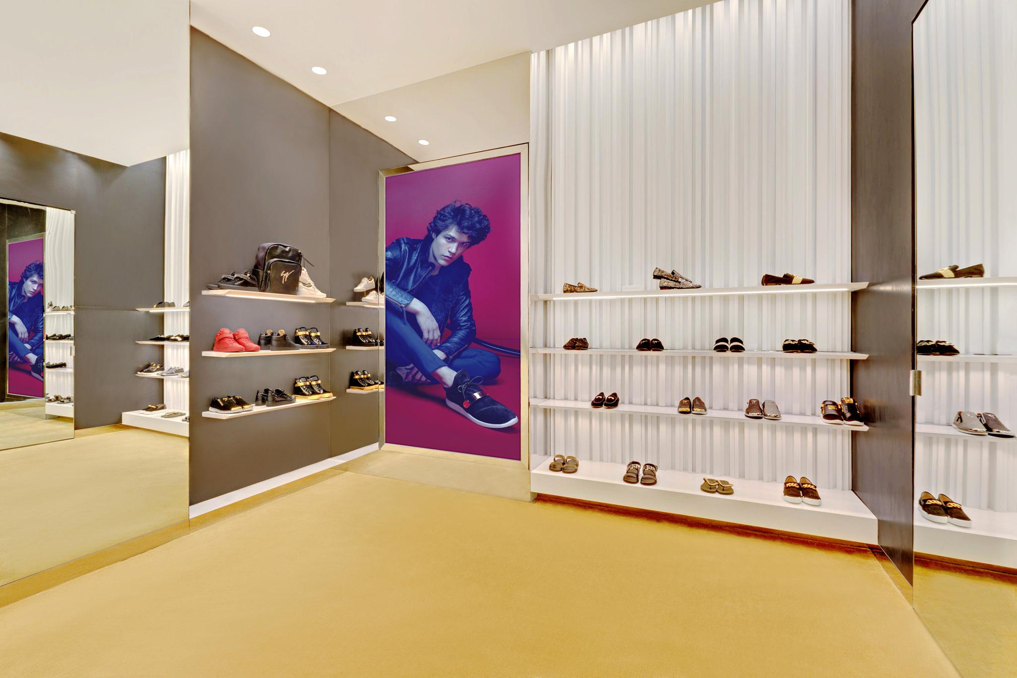 20170807 - Giuseppe Zanotti - HCM - Commercial - Interior - Store - Retouch 08.jpg