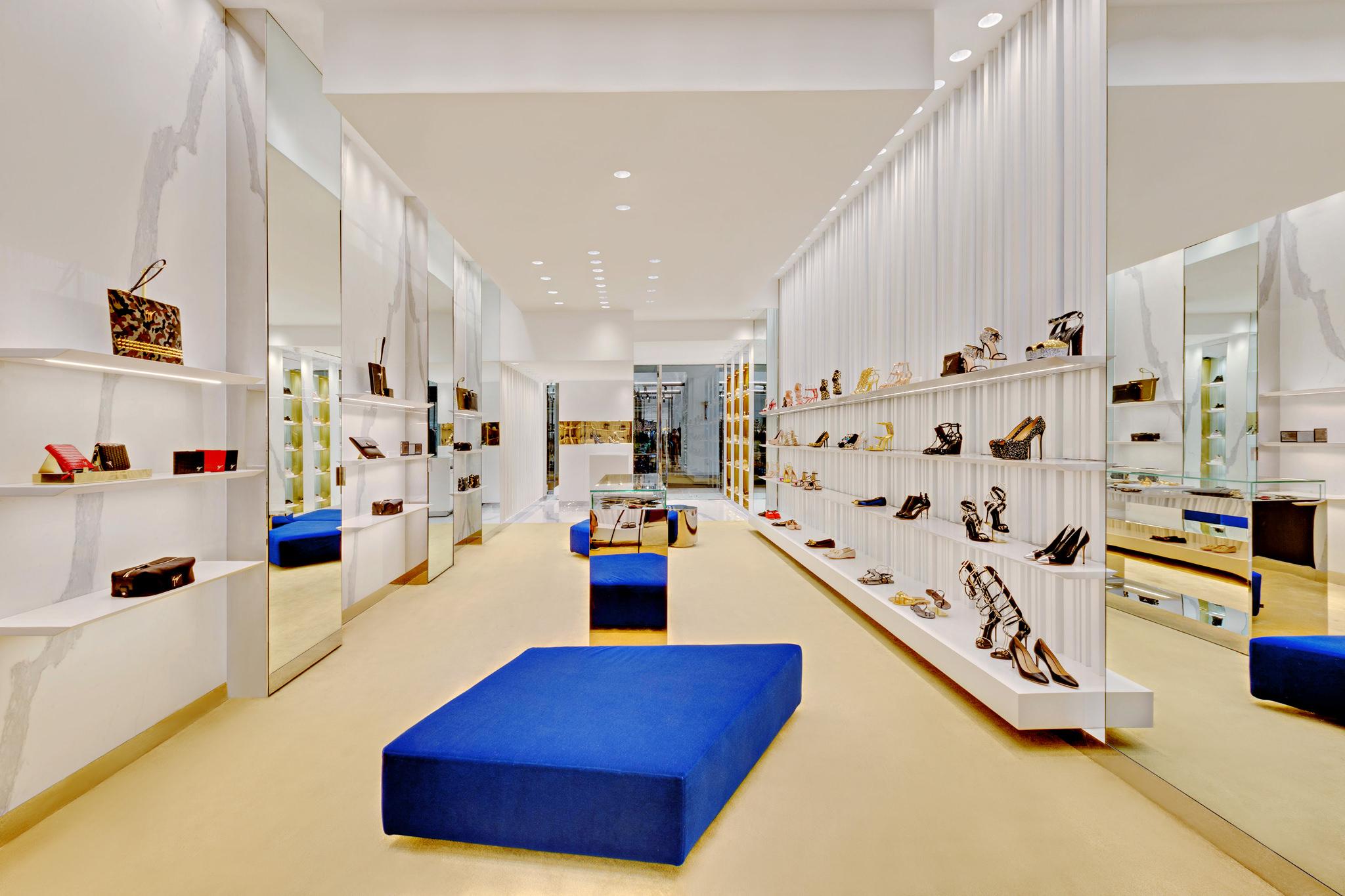 20170807 - Giuseppe Zanotti - HCM - Commercial - Interior - Store - Retouch 10.jpg