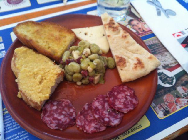 Organic fava bean antipasto at the sagra di Tordandrea.jpg