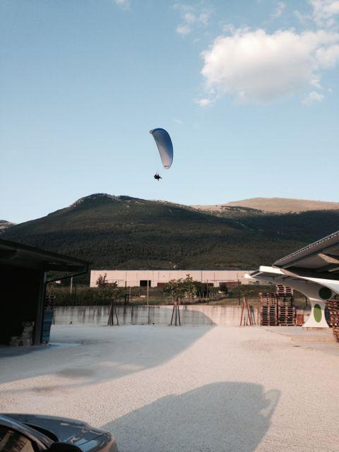 Paragliding into Flea Brewery.jpg