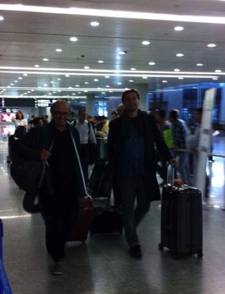 Arrival in Shanghai with director Philippe Gérard. Exhausted after a long and tiring flight...