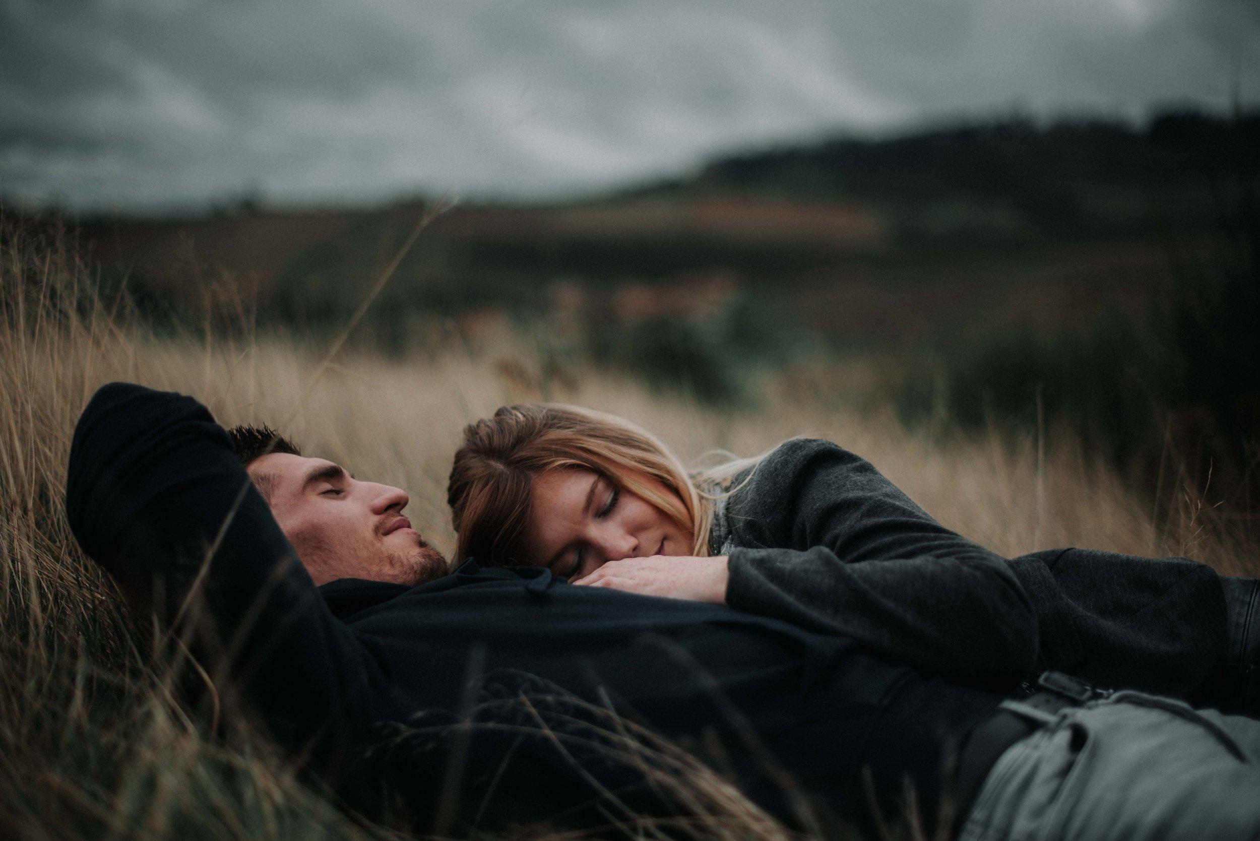 Léa-Fery-photographe-professionnel-lyon-rhone-alpes-portrait-mariage-couple-amour-lovesession-engagement-elopment-4086.jpg