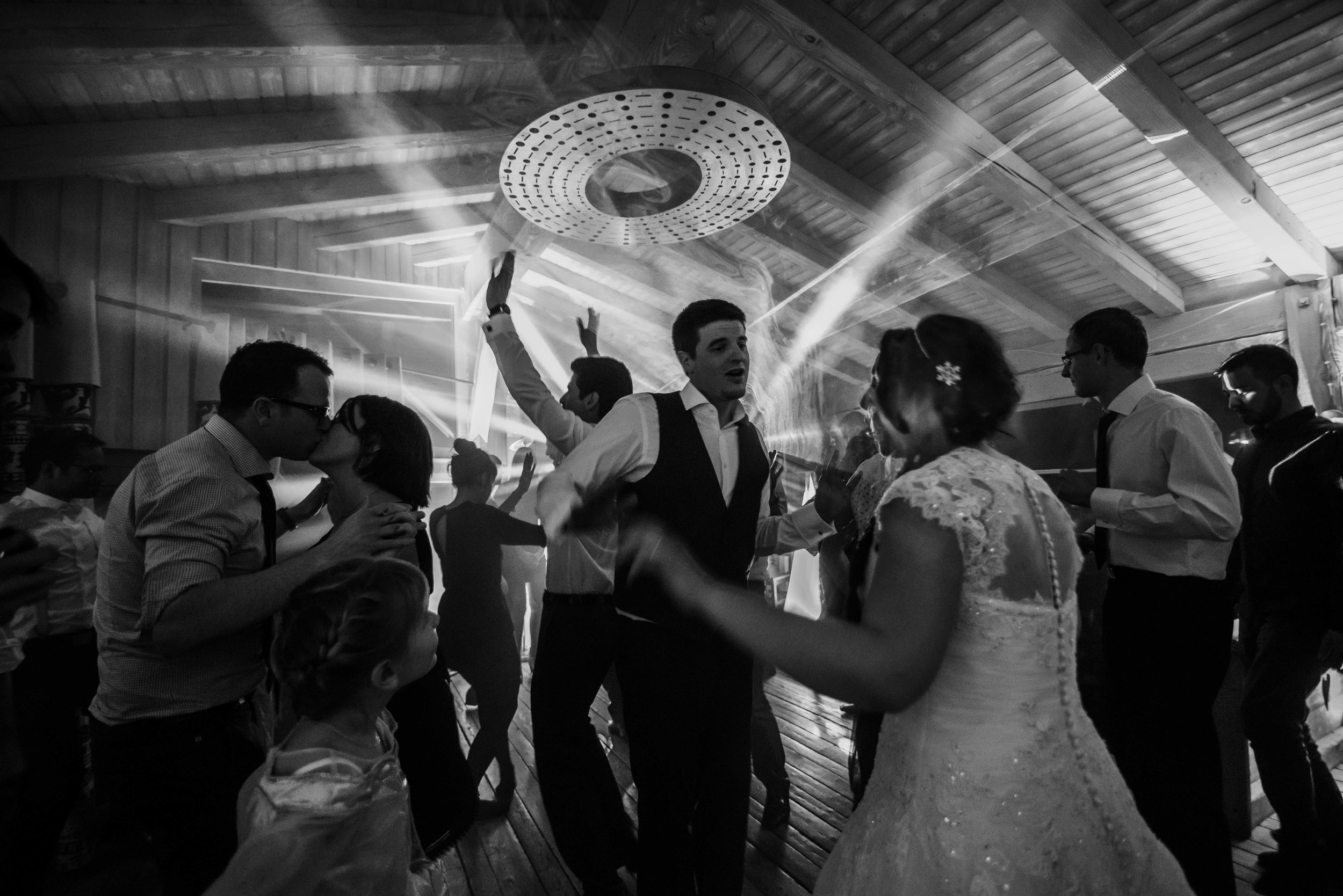 Léa-Fery-photographe-professionnel-lyon-rhone-alpes-portrait-mariage-couple-amour-lovesession-engagement-elopment-3544.jpg