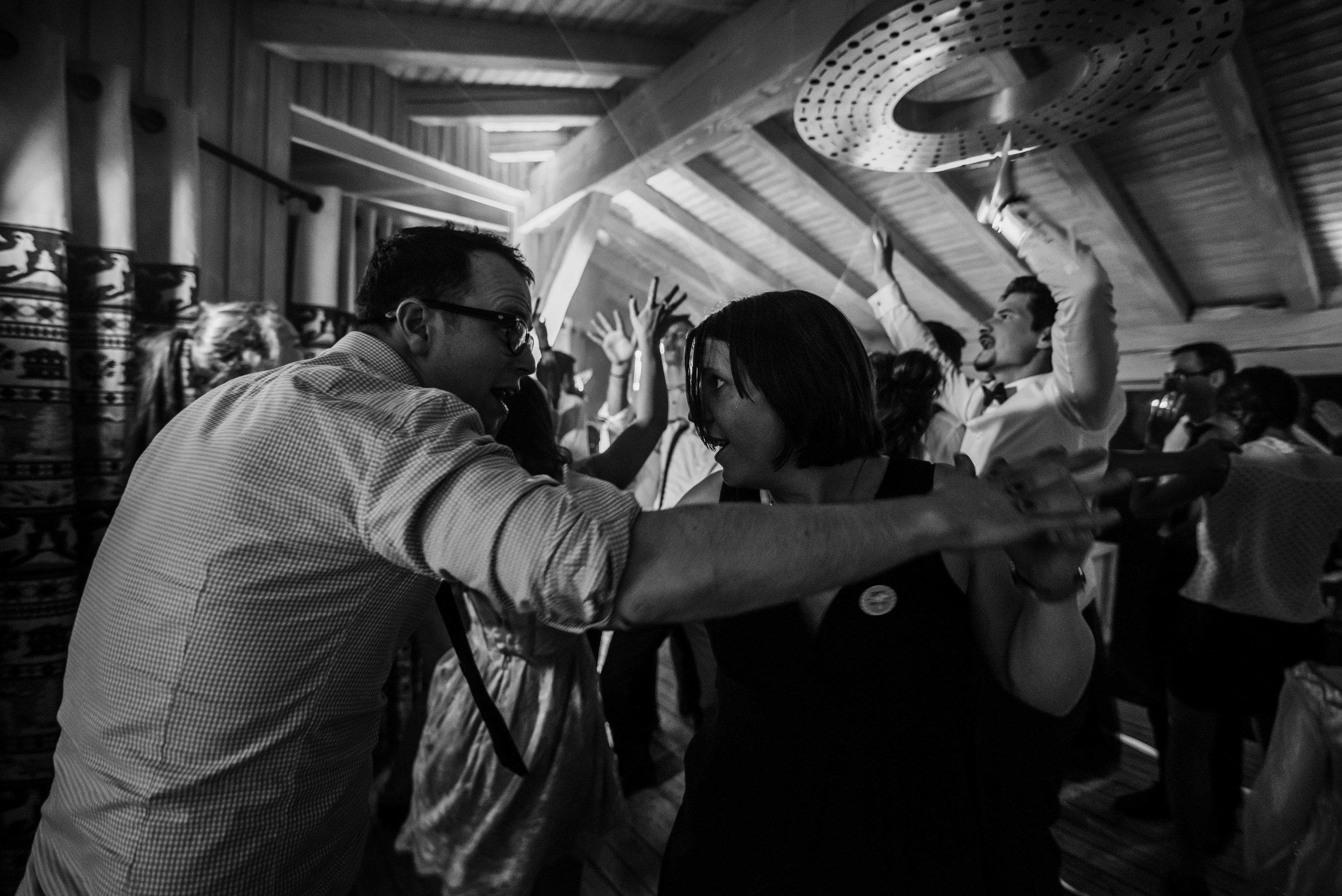 Léa-Fery-photographe-professionnel-lyon-rhone-alpes-portrait-mariage-couple-amour-lovesession-engagement-elopment-3563.jpg