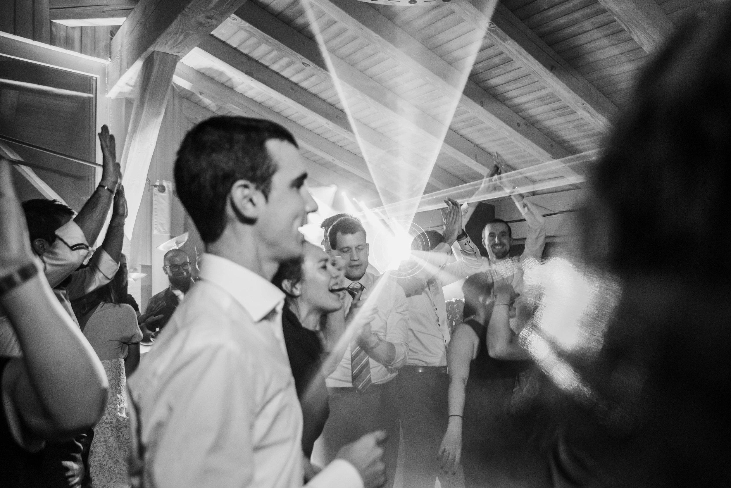 Léa-Fery-photographe-professionnel-lyon-rhone-alpes-portrait-mariage-couple-amour-lovesession-engagement-elopment-3621.jpg