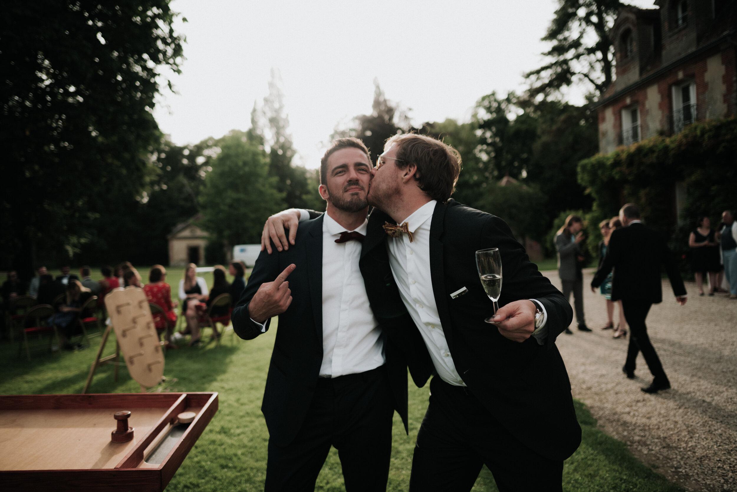 Léa-Fery-photographe-professionnel-lyon-rhone-alpes-portrait-creation-mariage-evenement-evenementiel-famille-2-250.jpg