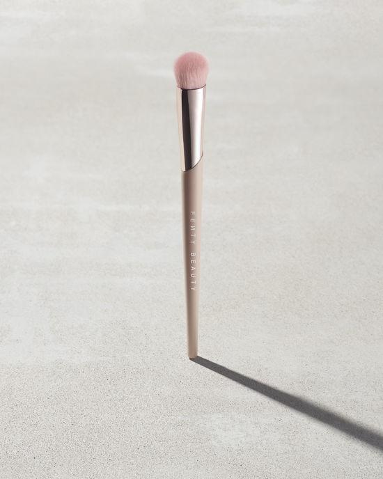 Precision Concealer Brush - fenty beauty.jpg