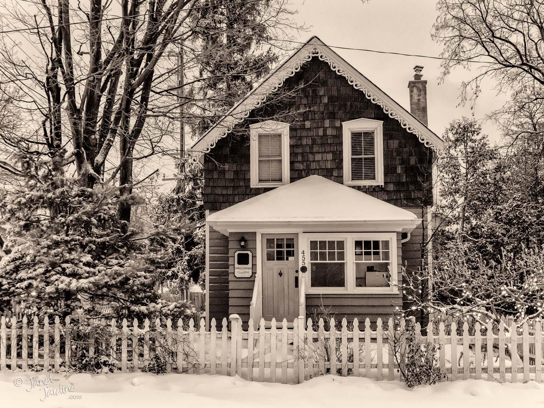 Charles-E.-Chisom-House_Photo_copyright_Janet_Jardine_SquareSpace.jpg