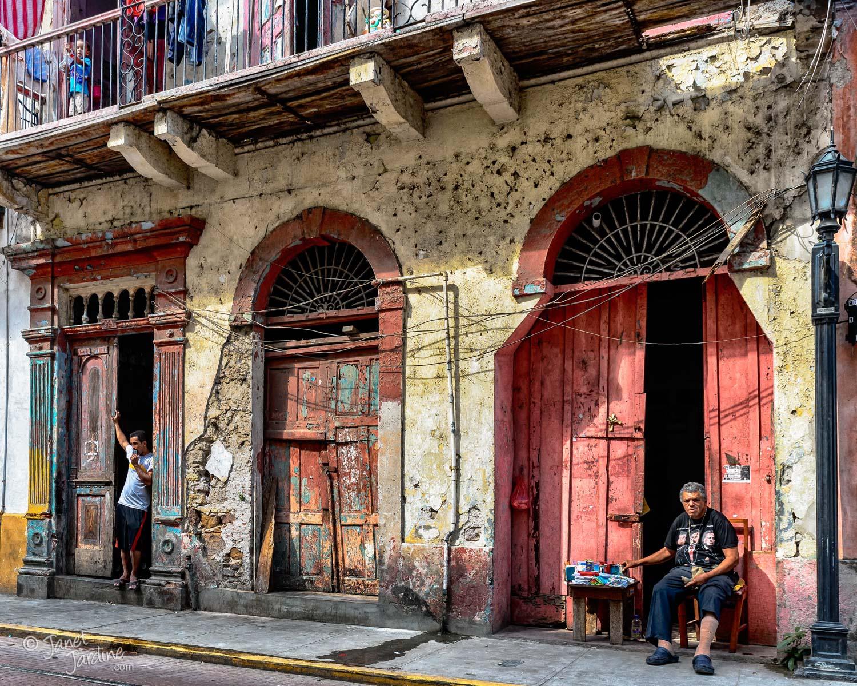 Life-in-Casco-Viejo_Photo_copyright_Janet_Jardine_SquareSpace.jpg