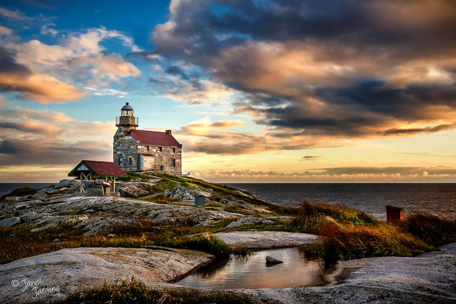 Rose-Blanche-Lighthouse_Photo_copyright_Janet_Jardine_SquareSpace.jpg