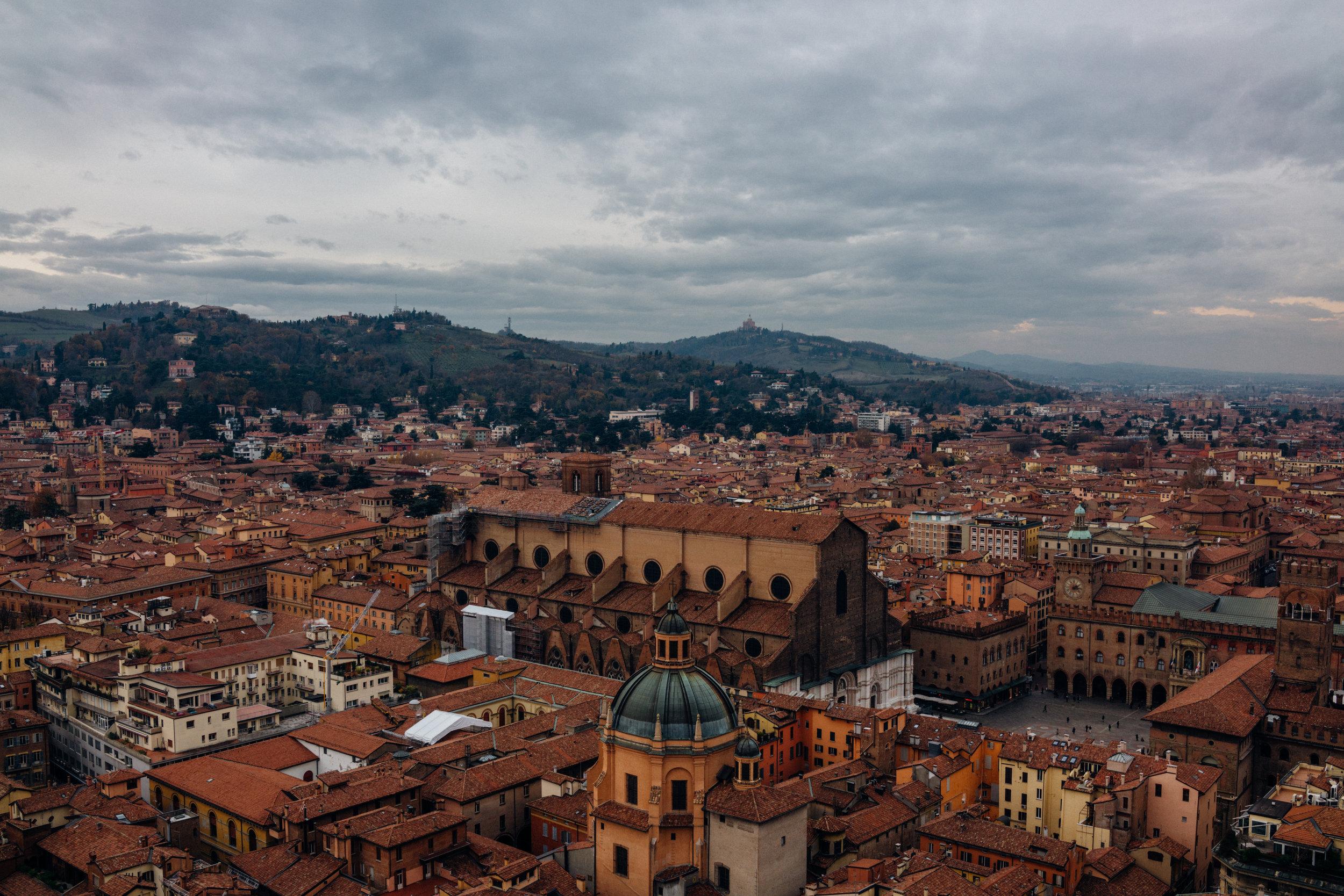 Vista di Bologna daTorre degli Asinelli.Puoi vedere Piazza Maggiore sulla destra