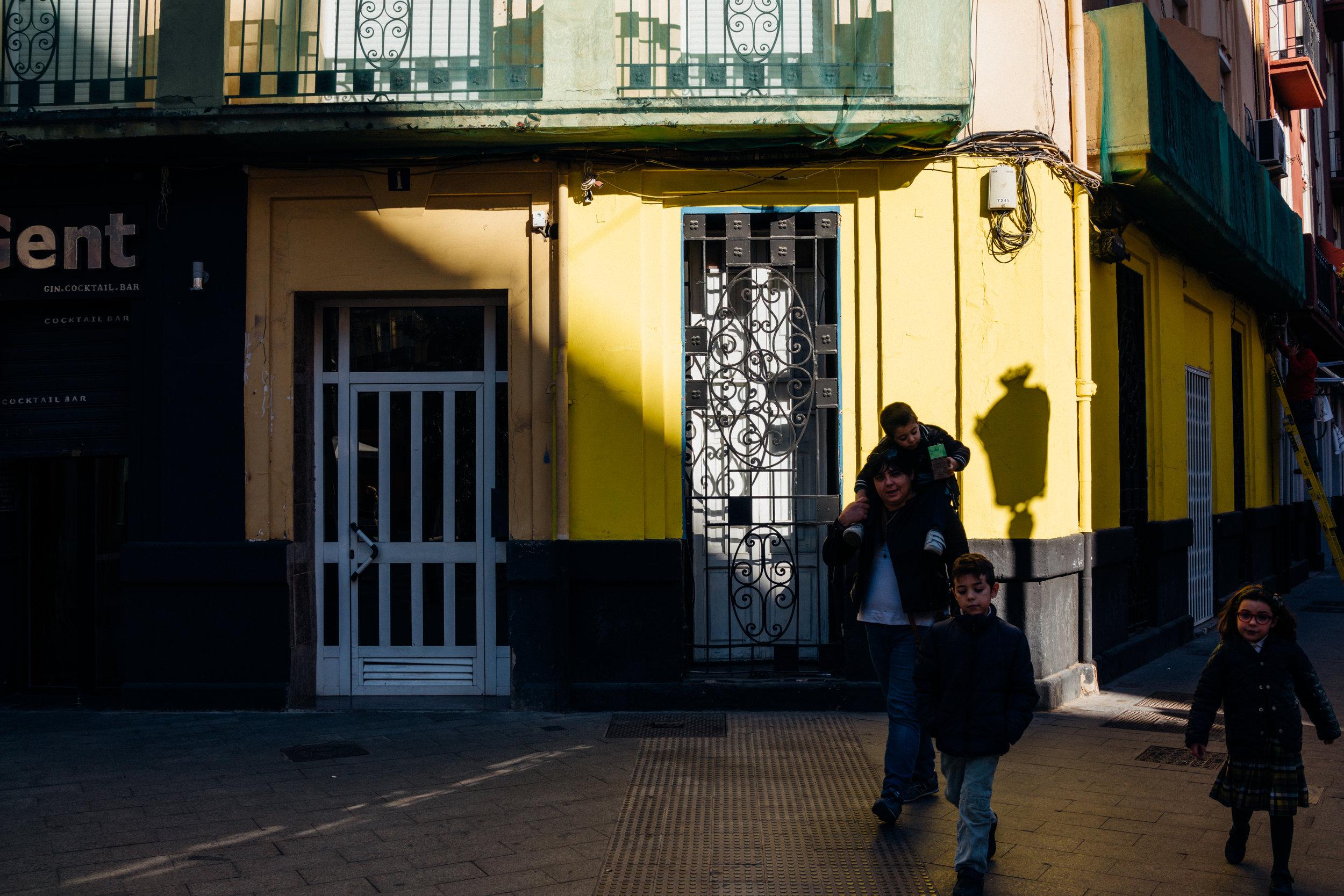 Walking around Valencia's Ruzafa neighborhood