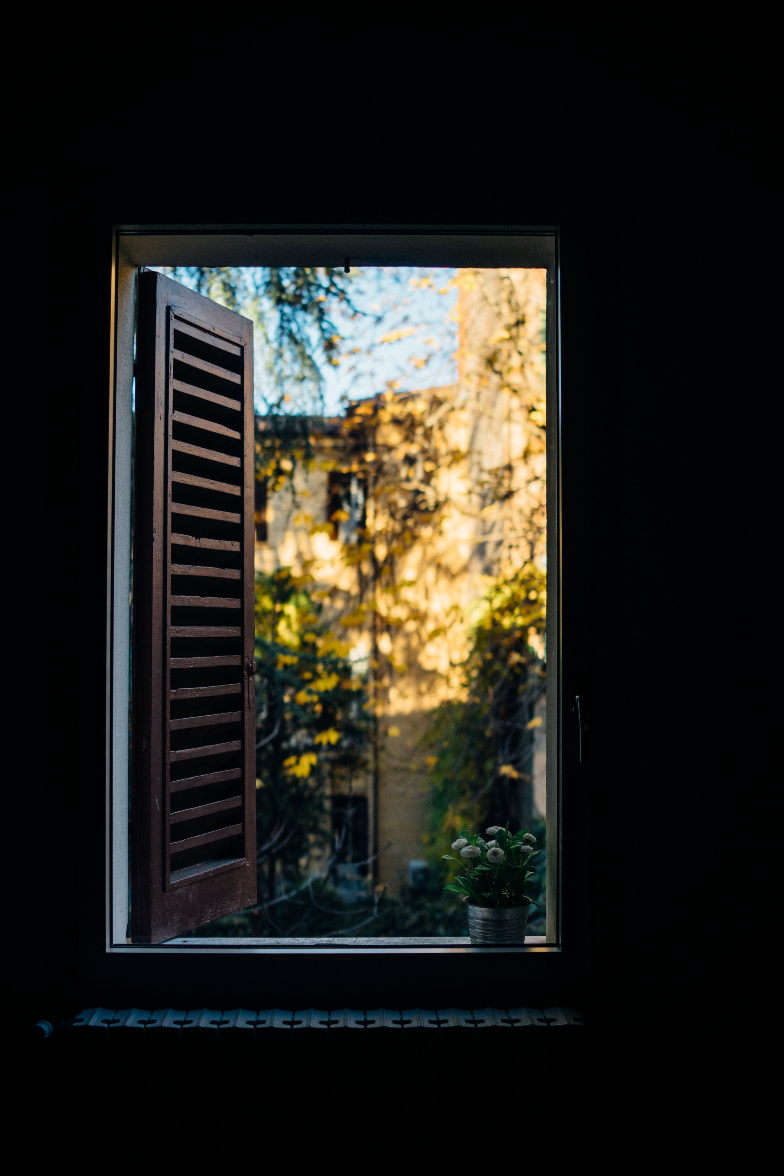 Looking out the window from apartment on Via de' Coltelli
