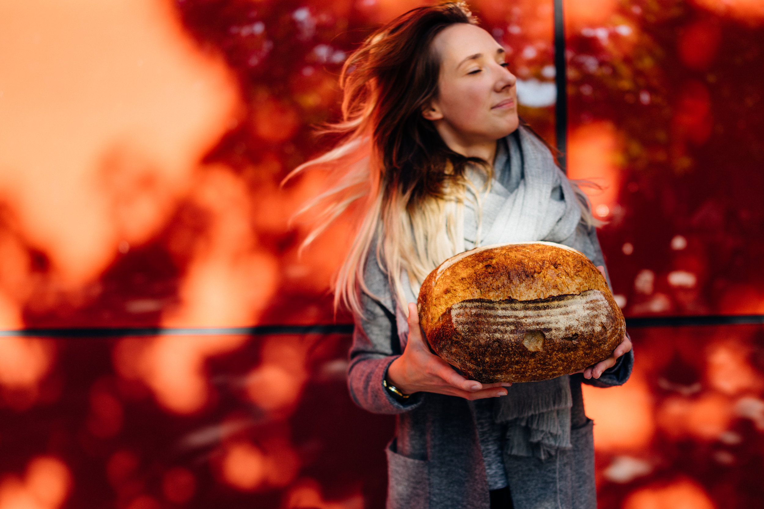 Edita Paulikaitė with The Snapery's classic Field Loaf in London, UK