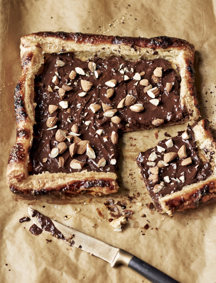 chocolate-almond-sea-salt-tart-food-photography.jpg