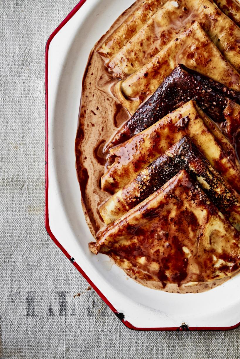 crepes-chocolate-sauce-food-photography.jpg