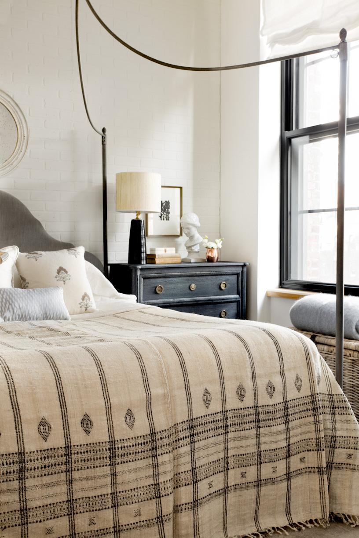 dumbo-brooklyn-style-apartment-bedroom.jpg