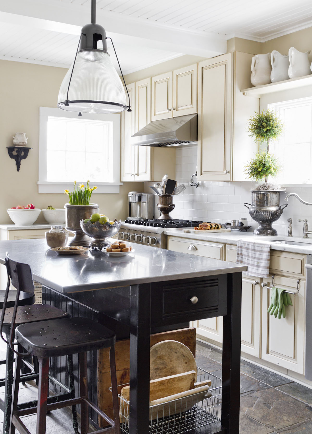 farmhouse-style-kitchen-interior-photography.jpg