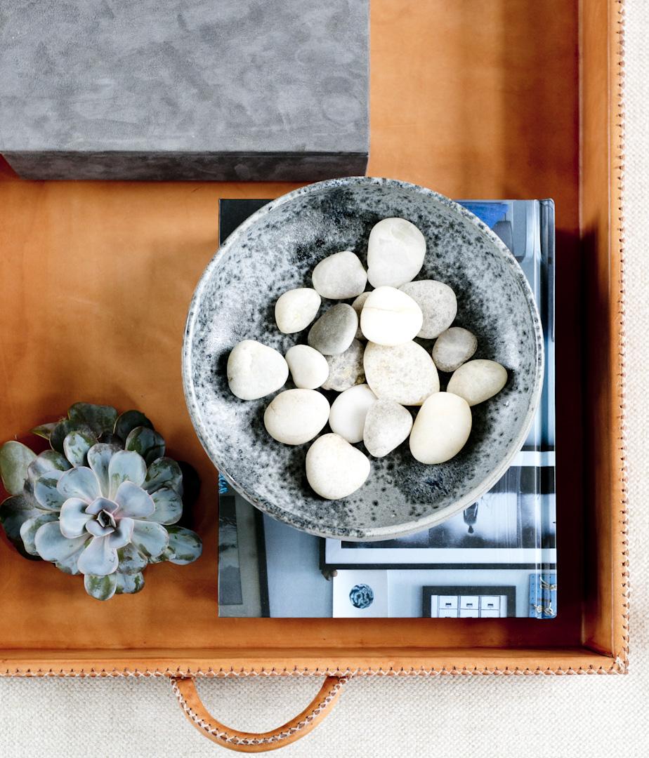 hamptons-beach-house-coffee-table-details.jpg