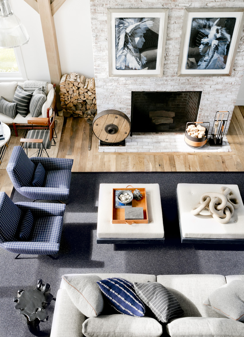 hamptons-beach-house-blue-living-room-interior-photography.jpg
