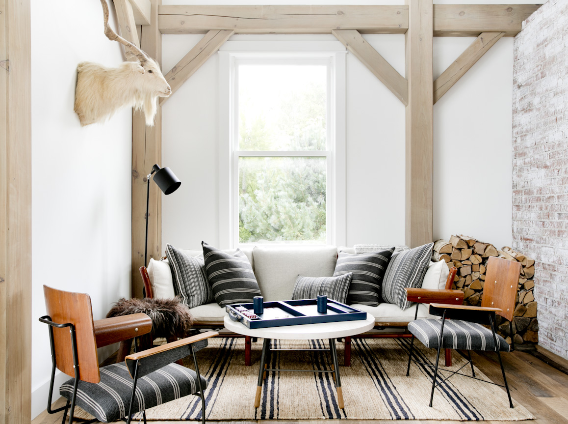 hamptons-beach-house-game-nook-interior-photography.jpg