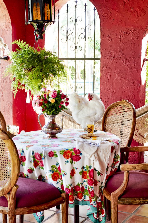 bohemian-farm-breakfast-chicken-lifestyle-photography.jpg