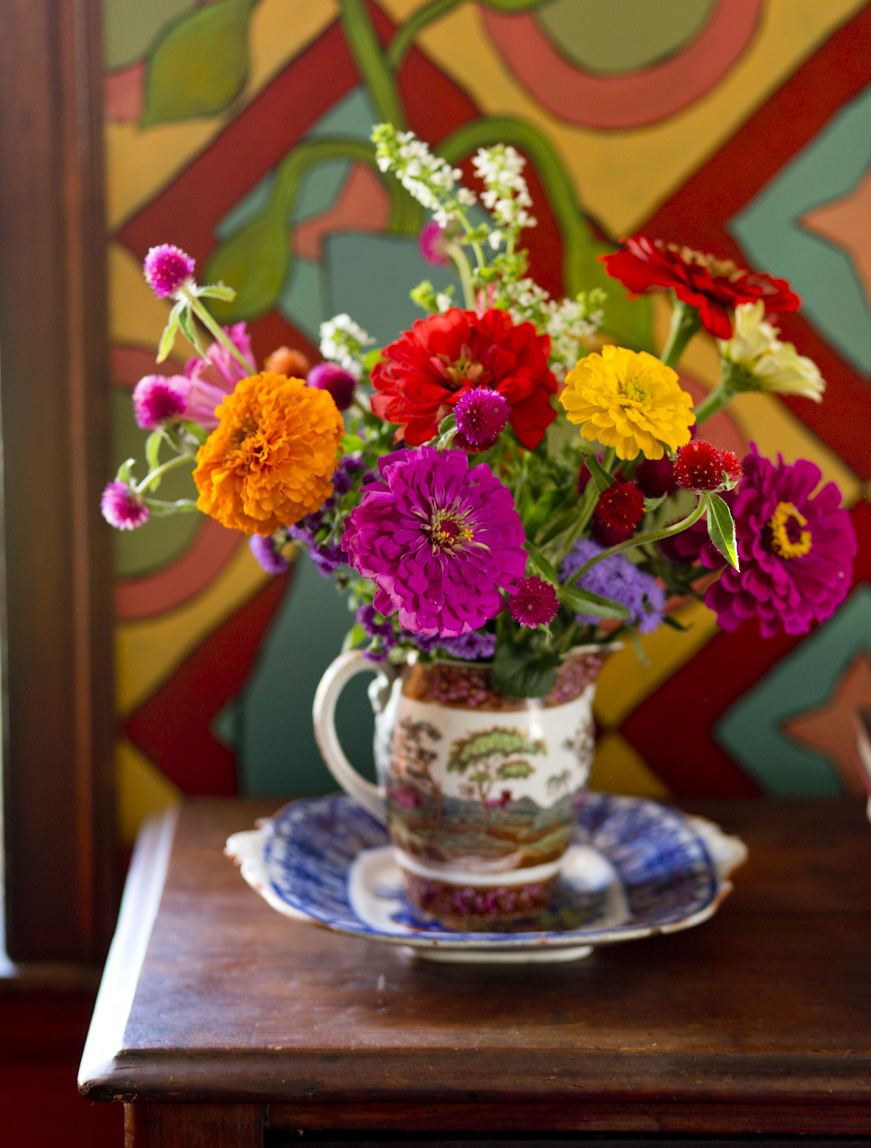 dahlia-summer-flowers-lifestyle-photography.jpg