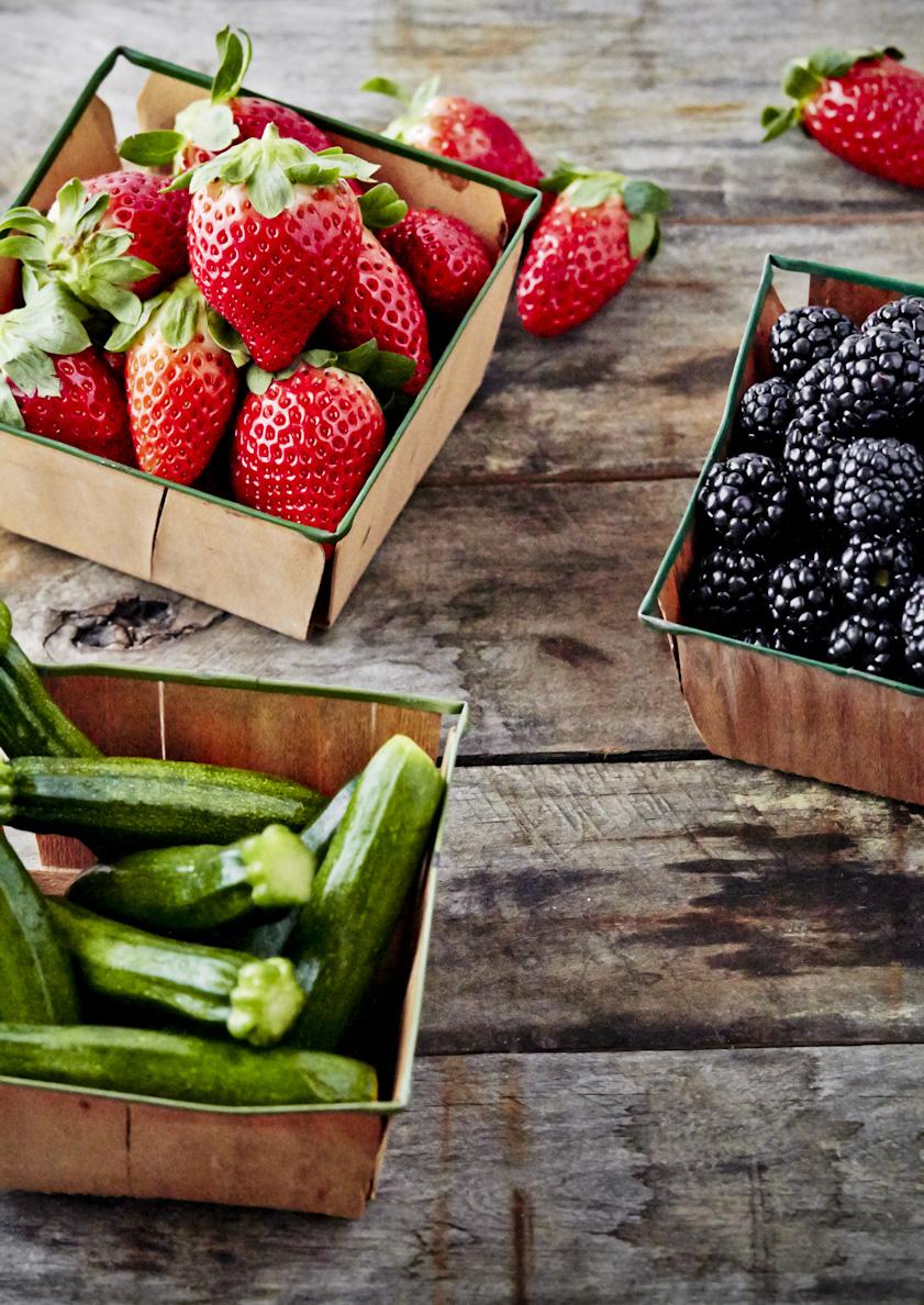 fresh-picked-veggies-lifestyle-food-photography.jpg