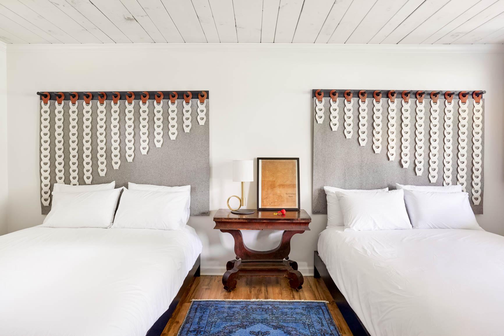 nars-hotel-cabin-upstate-ny-4.jpg
