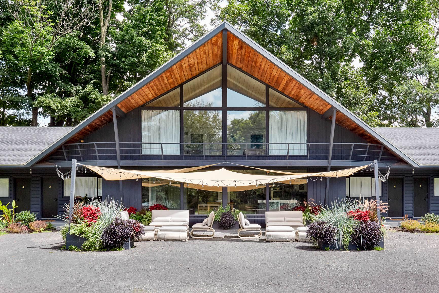nars-hotel-cabin-upstate-ny-9.jpg