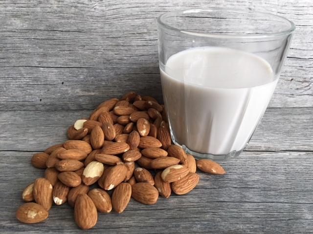 3 Delicious Ways to Use Almond-Milk: Dairy-Free Goodness