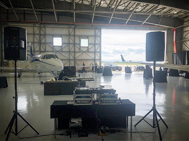 Set up at Centennial Airport for MDN Productions ✈️ 🤙🏼#prodeezy #mdnproductions
